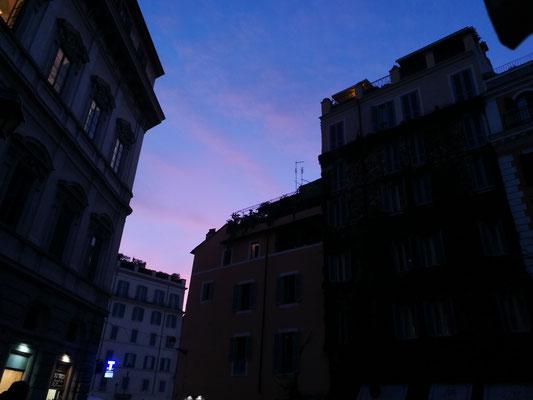 Abendstimmung an der Piazza del Biscione