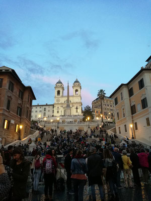 Spanische Treppe mit der Kirche Tinità dei Monti