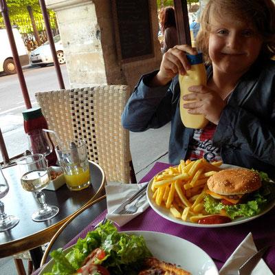 Frühes Abendessen am Parc des Vosges - da lacht der Kopf