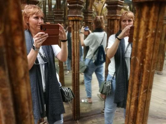 Im Spiegellabyrinth - es lag nicht an der Anzahl der Biere...