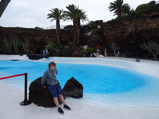 Der weiße Pool im Jameos del Agua