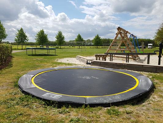 Moréne Hoeve - nieuwe extra trampoline 2019