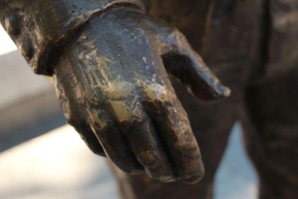 Statue de Claude Nougaro, à Toulouse, sculpteur Langloÿs