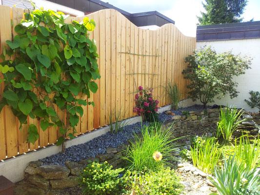 Sichtschutz aus Holz Gartengestaltung Rübner Schwabach