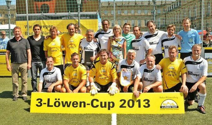 Teamarzt der Promi-Mannschaft beim 3-Löwen-Cup 2013