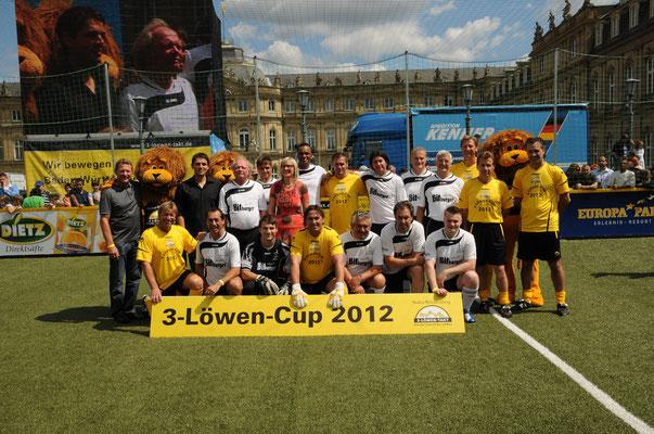 Teamarzt der Promi-Mannschaft beim 3-Löwen-Cup 2012