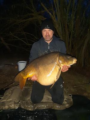 Record actuel: Carpe de 25,5 kg sur l'étang Acrocarpe