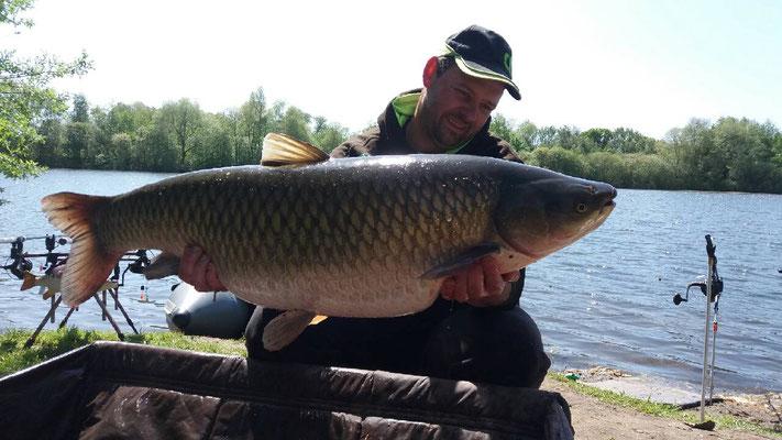 Amour Blanc, 10 mai: 19,10 kg sur le poste 4 ,étang Acrocarpe - 80120 Rue- Flandre