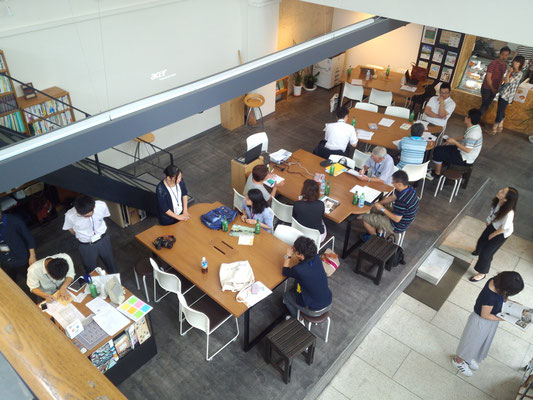 会場の「バンコ」は銀行をリノベーションしたコミュニティ施設。「御祓川大学校」の教室にもなっている。