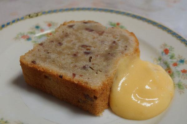 しまんと地栗のパウンドケーキ。カフェで提供するスタイルを研究しています。