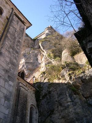 Un escalier caché dans le rocher de Rocamadour