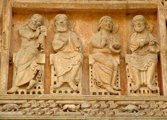 Détail du tympan roman de l'église de Carennac