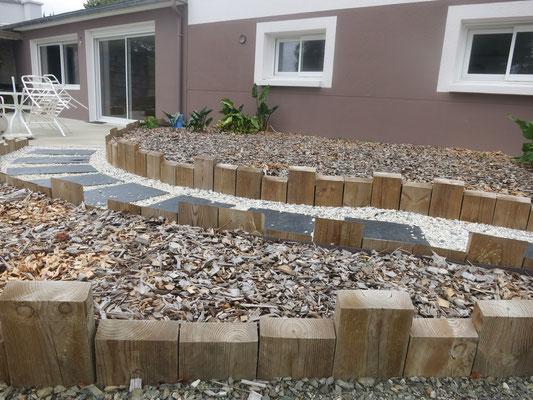 aménagement allée bordure en bois 35140 Saint Aubin du Cormier