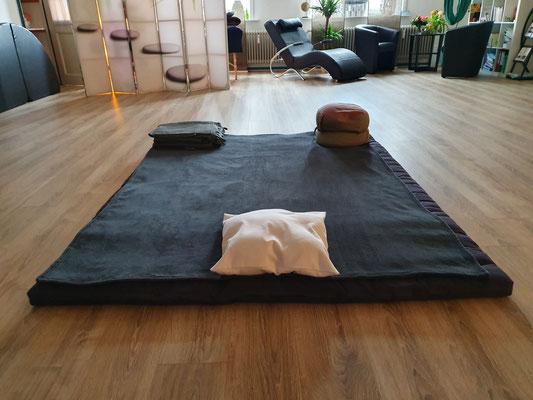 Thai Shiatsu. Die Verschmelzung von Thai Yoga und Shiatsu für Ihre Entspannung. ProMentalis, Garding