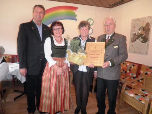 Trachtengruppe Reichenfels, Jahreshauptversammlung 2015: Gründungsobfrau Lotte Kopp wird zur EHRENOBFRAU ernannt