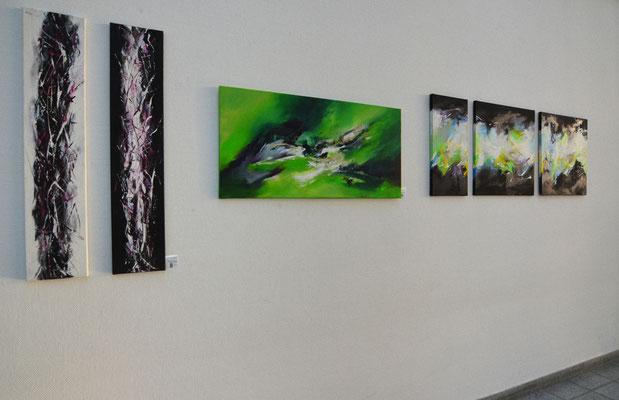 Sylwia mesch stellt ihre Bilder am Flughafen Münster / Osnabrück aus