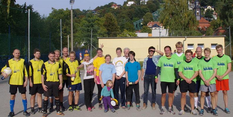 Eltern unserer Kids (links) beim Fußballturnier zur 700 Jahrfeier Loschwitz 03.Oktober 2015