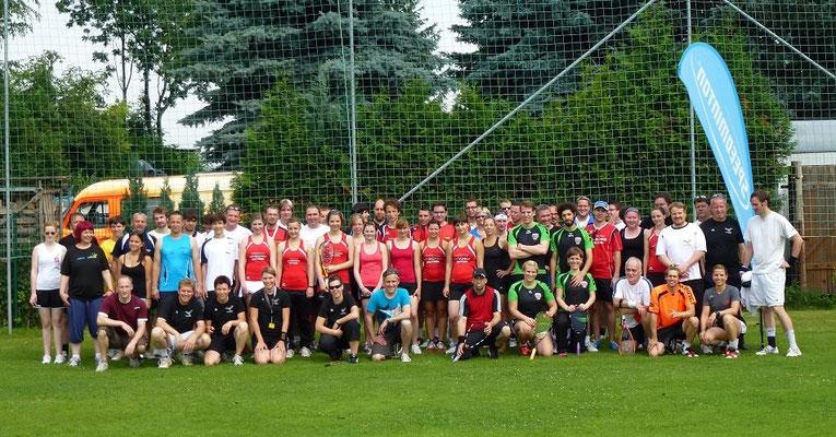 Speedbadminton: Teilnehmer der Deutschen Meisterschaft im Doppel auf unserem Sportareal im Juni 2012