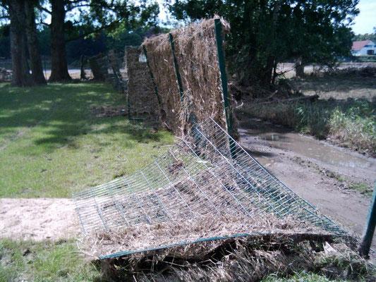 viele Hochwasserschäden im Sportareal am 10.06.2013