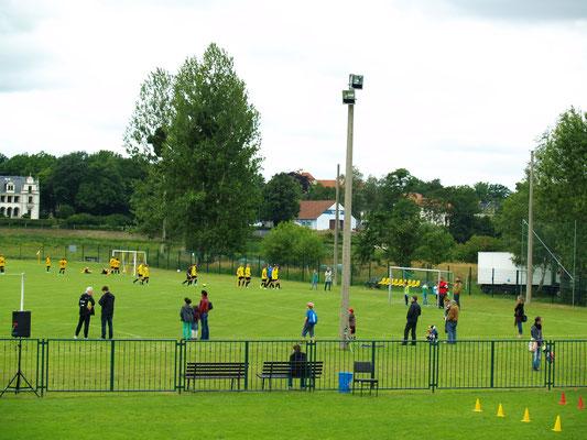 Saisonabschlußfest der Fußballer im Juni 2014 auf dem Sportplatz