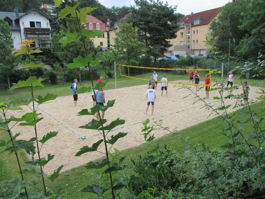Die Laufgruppe beim sommerlichen Beachvolleyball im Juli 2016