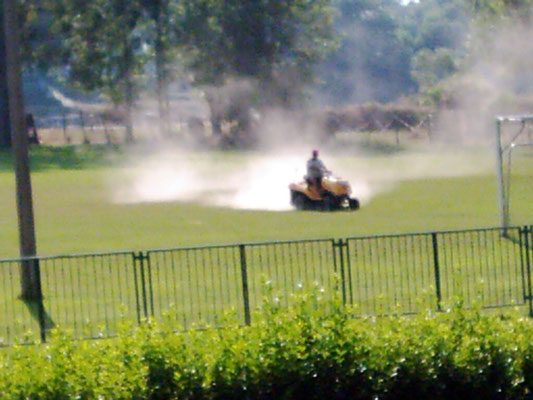Reinigung der Sportanlagen am 19.06.2013