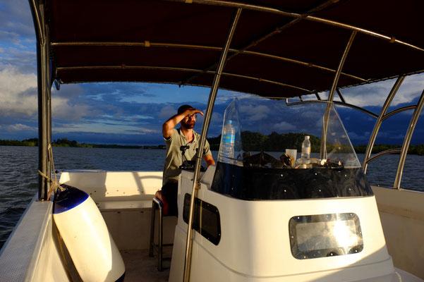 der Kapitän schippert uns Richtung Sonnenuntergang…