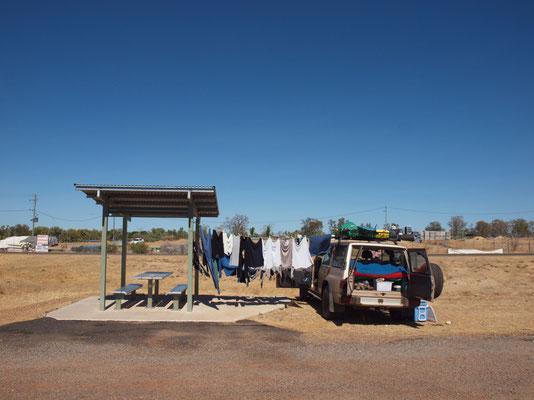Wäsche trocknen im Outback