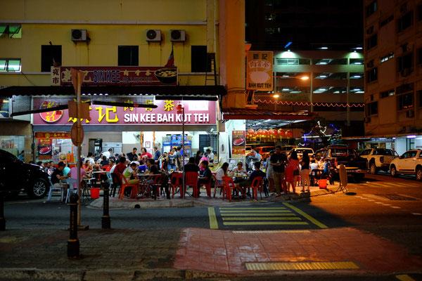 typisches Straßen Restaurant