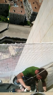 maçonnerie acrobatique Montpellier maçon sur corde