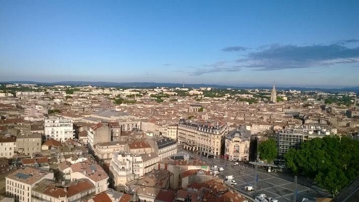 Montpellier vue aérienne cordiste acrobate du bâtiment