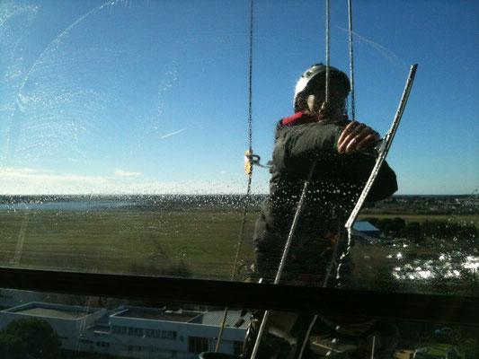 Nettoyage de vitre hauteur 34
