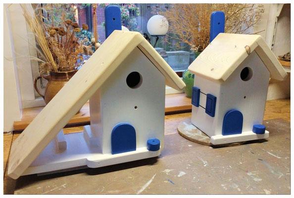 Houten vogelhuisje en nestkastje, geverfd, blauw wit, Griekse kleuren