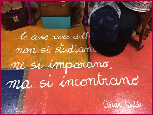 Atelier Macondo Poesia scritta sul pavimento