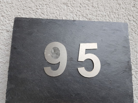 MUSTER mit EDELSTAHLZAHLEN ca 20*30cm Platte, Zahlengröße ca 10 cm