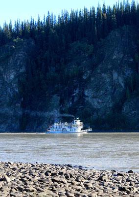 Raddampfer auf dem Yukon Fluss / paddlesteamer on Yukon river