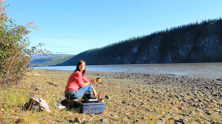Frühstück am Yukon / brekki at riverbank