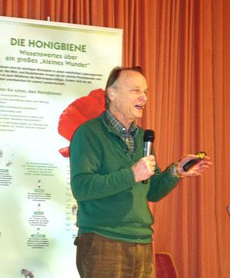 Prof. Dr. Menzel referiert im Lindenhof, Goslar