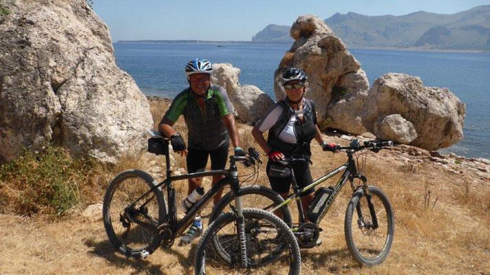 auf Radtour Richtung Monte Cofano