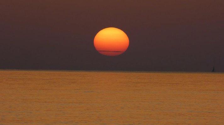 makelloser Sonnenuntergang zum Urlaubsende