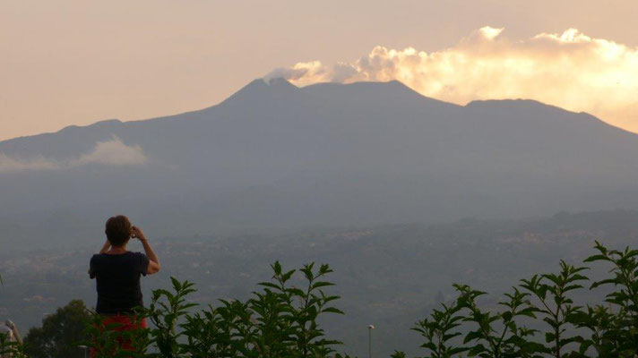 Ätna-Blick vom Camp Mokambo