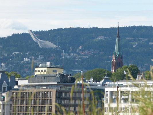 Oslo mit Blick auf den Holmenkollen