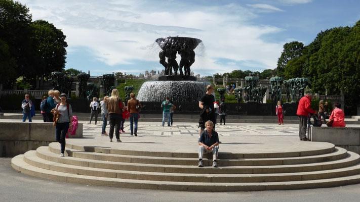 im Frogner-Park bei den Vigeland-Skulpturen