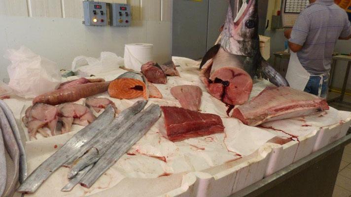 beim Fischverkäufer in San Vito