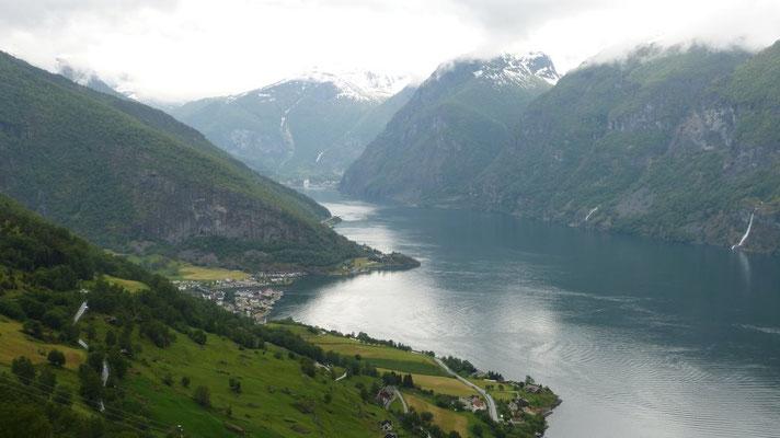 Blick auf den Aurlandsfjorden