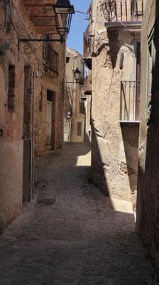 in den Straßen eines sizilianischen Bergdorfes