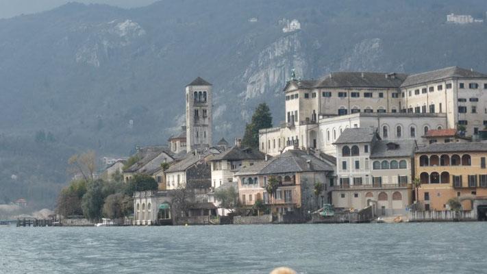 Basilica Isola San Giulia