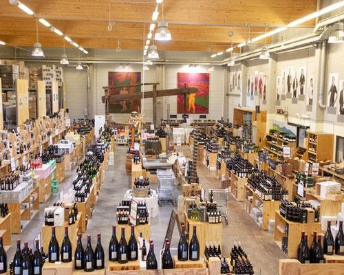 Über 1000 Weine und Sekte machen die Vinofaktur zur grössten Gebietsvinothek der Steiermark . Bild pd