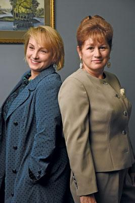Всегда деловые, но элегантные клиенты ателье — Нина Уваричева и Татьяна Волох