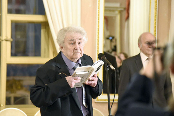 Поэт Глеб Горбовский на вручении премии в 2016 году